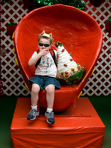 The Strawberry King blows kisses to his admirers.