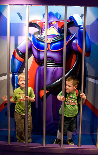 Kyle imprisoned with the Evil Emperor Zurg