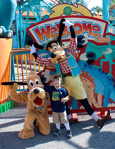 Kyle meets Goofy and Pluto. Pluto was kind enough to offer his nose as an armrest.
