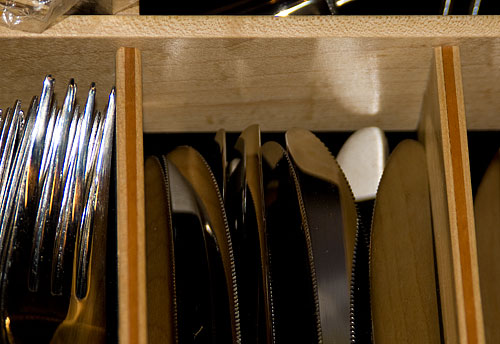Close-up of the drawer divider.